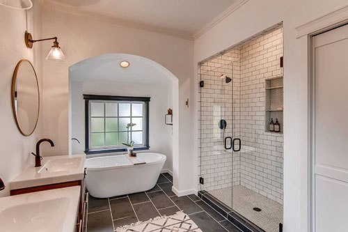 Modern Luxury Bathroom - Virtuance Real Estate Photography